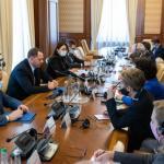 """Послы стран """"Большой семерки"""" будут реформировать судебноую и антикоррупционную систему в Украине"""